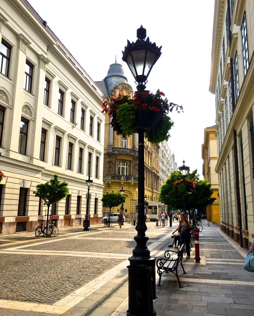 PEST BUDAPEST