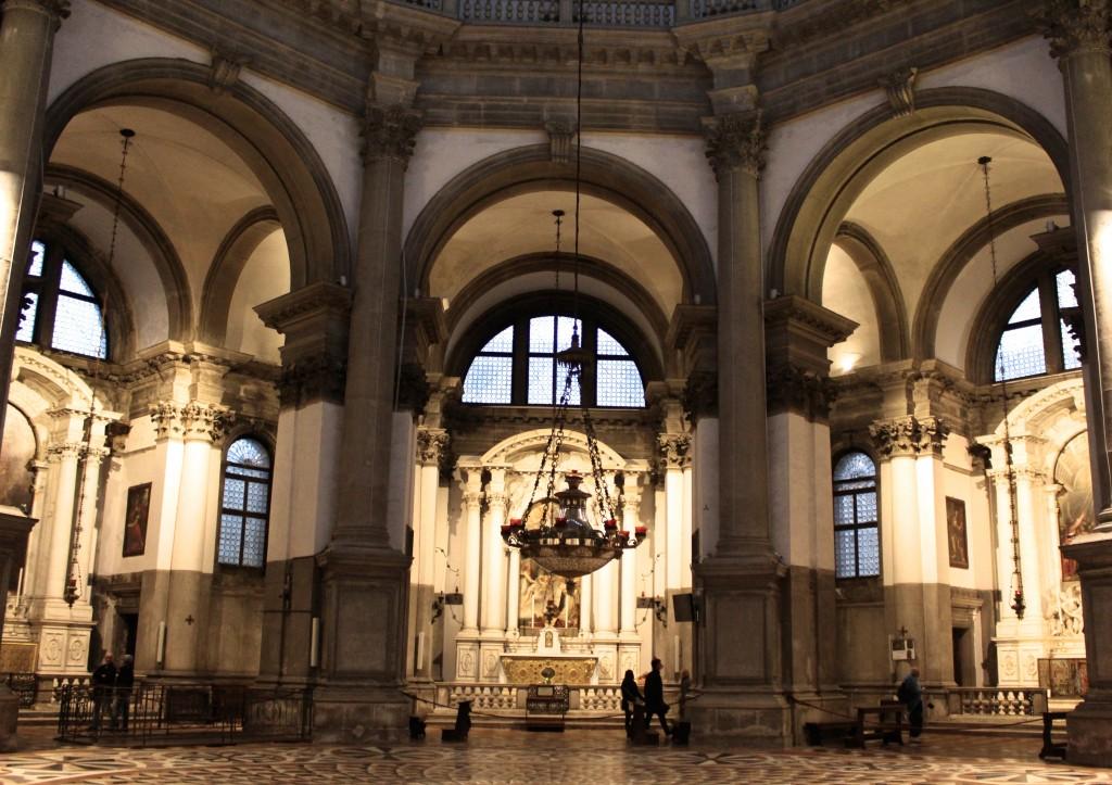 Santa Maria Della Dalute Interior