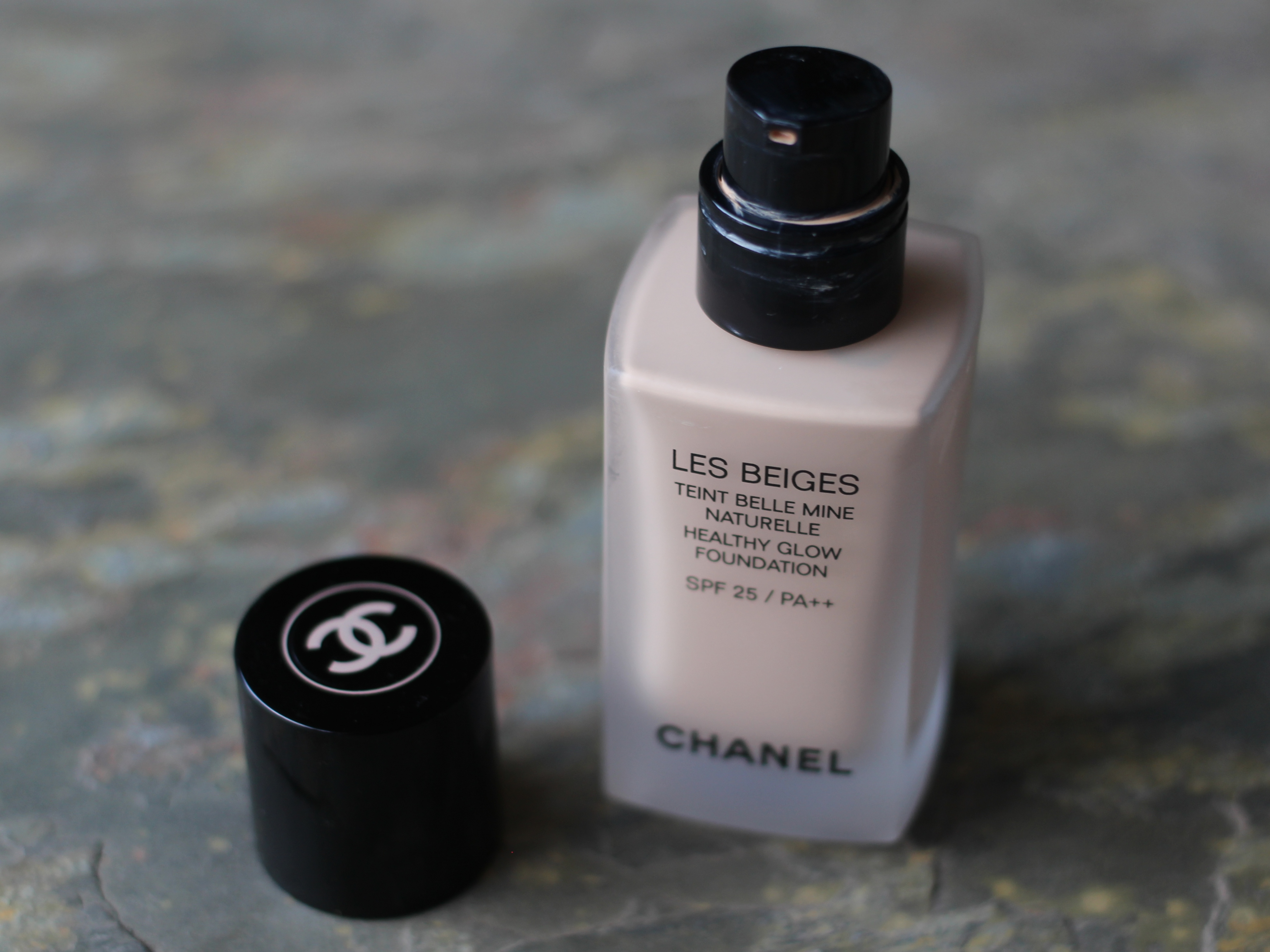 Chanel Les Beidges healthy Glow Foundatio Review