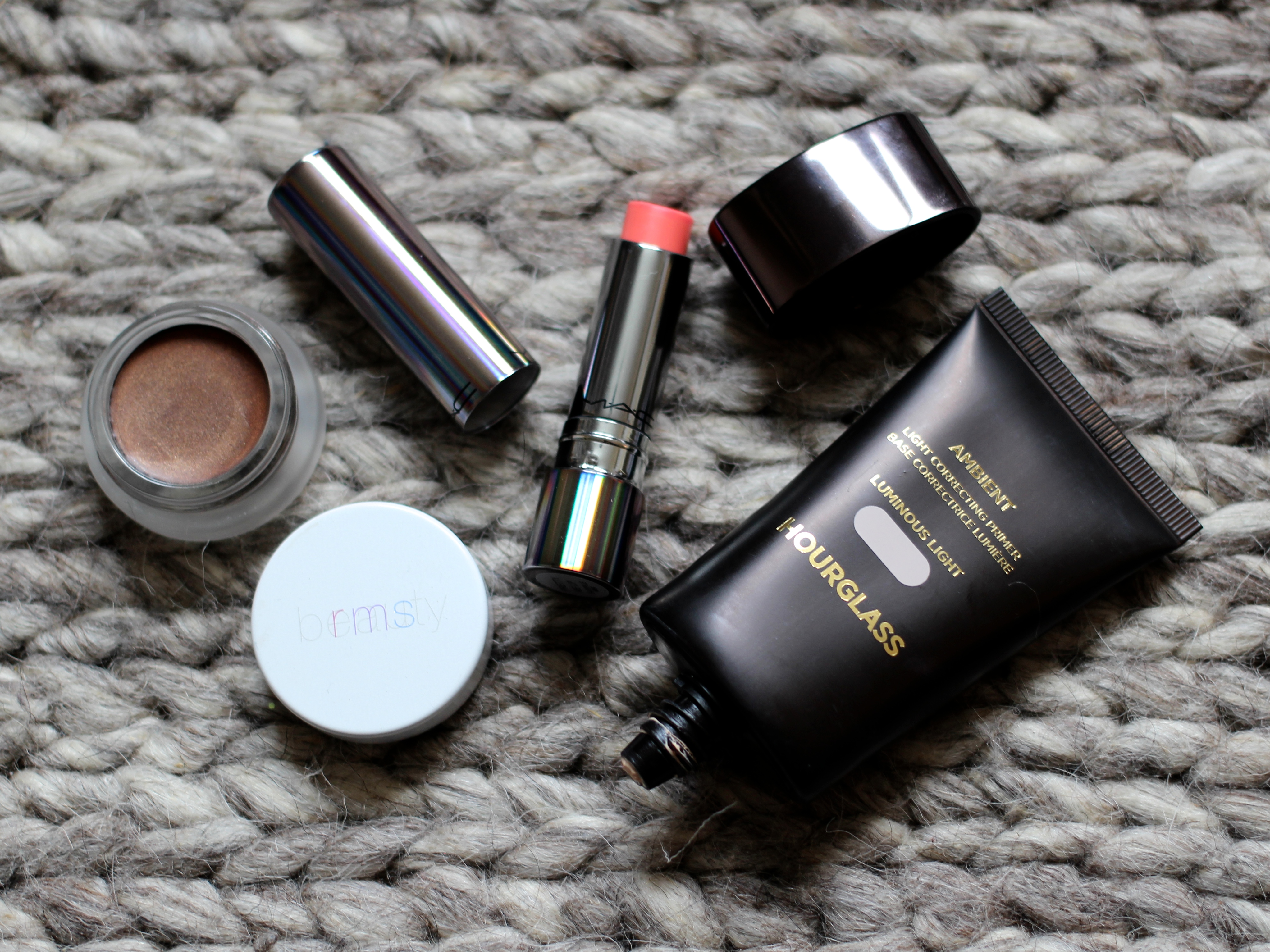 Hourglass Ambient Light Correcting Primer, MAC Tendertalk Lip Balm and RMS Contour Review