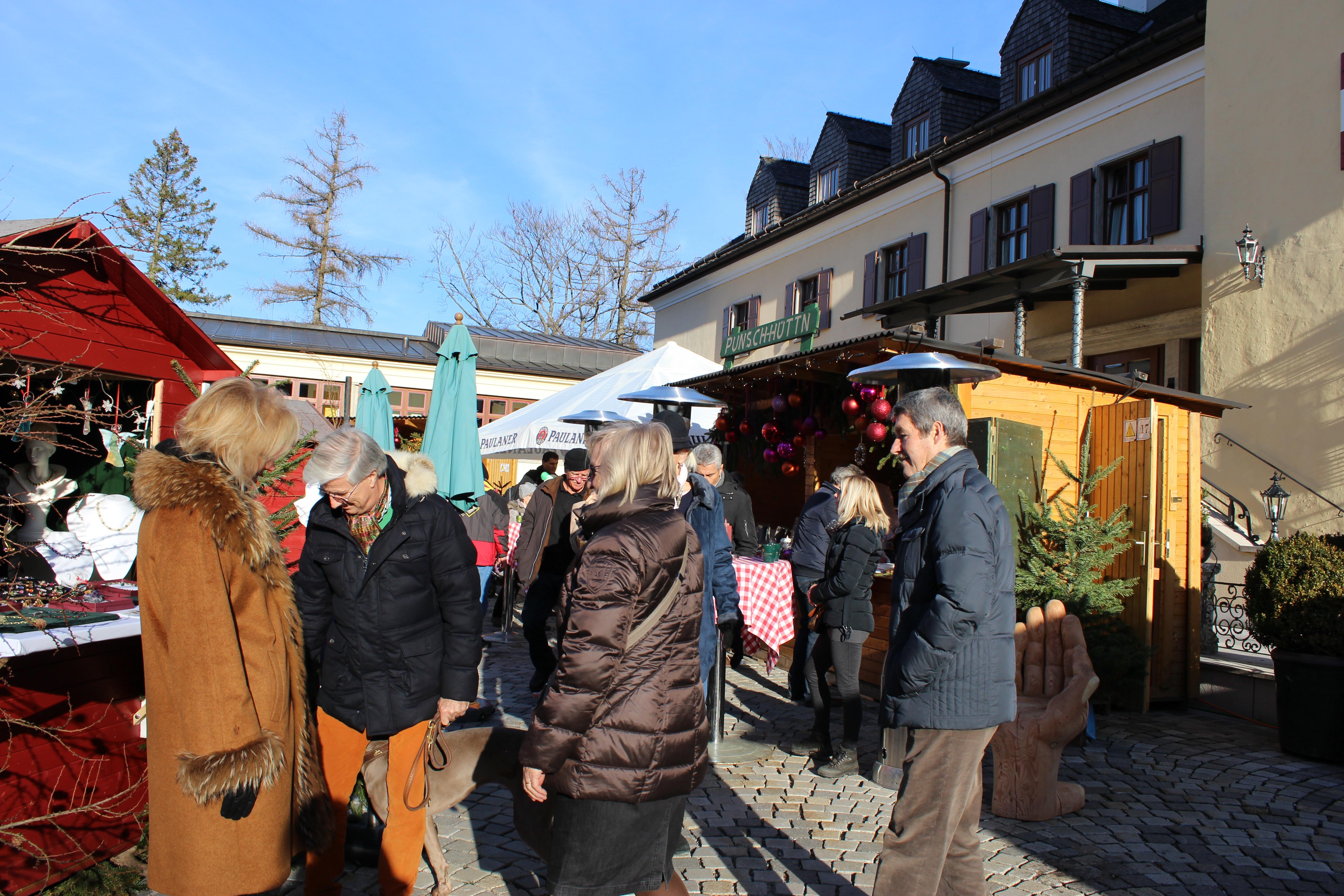 Schloss Fuschl Christmas Market
