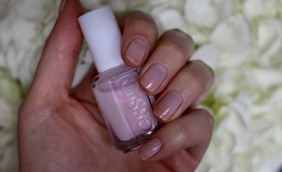 Essie Treat Love & Colour Review
